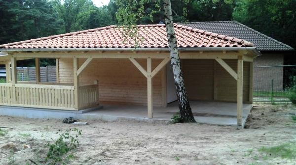 walmdach-carport-wald