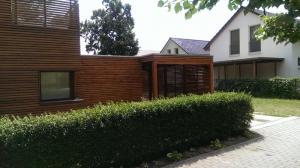 Carport Holz braun Flachdach